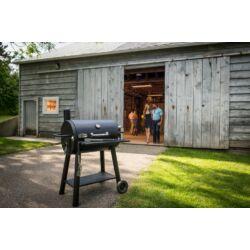 Broil King Charcoal Grill füstölő